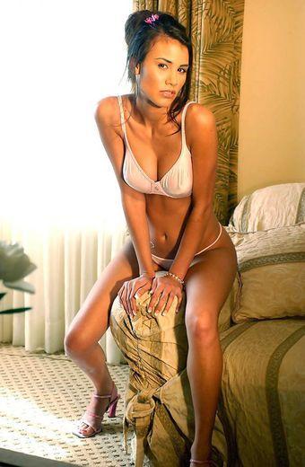 escort girl Caitlin